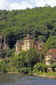 château la malartrie overlooking river dordogne near roque-gageac roque gageac roquegageac french châteaus european travel yellow limestone cliffs mediaeval medaeval perigord noir aquitaine france francia frankreich europe