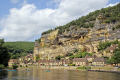 river dordogne french landscapes european travel cliffs limestone yellow beach promenade mediaeval medaeval perigord noir pendoïlles aquitaine france la francia frankreich europe