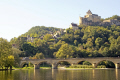 chateau bridge castelnaud-la-chapelle castelnaud la chapelle castelnaudlachapelle river dordogne. french landscapes european travel plantagenet aquitaine cliffs limestone yellow ancient mediaeval medaeval perigord noir pendolles cingle promenade dordogne france la francia frankreich europe