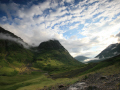 looking glencoe.scotland glencoe scotland glencoescotland mountains countryside rural environmental uk summer glancoe highlands islands scotland scottish scotch scots escocia schottland great britain united kingdom british