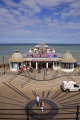 cromer pier norfolk piers uk coastline coastal environmental holiday resort seaside sea holidaymakers england english angleterre inghilterra inglaterra great britain united kingdom british grande-bretagne grande bretagne grandebretagne großbritannien gran bretagna bretaña