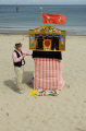 punch judy beach puppeteer british seaside coastal resorts leisure traditional entertainment isle man manx england english angleterre inghilterra inglaterra united kingdom