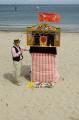 punch judy beach puppeteer british seaside coastal resorts leisure traditional entertainment isle man manx england english angleterre inghilterra inglaterra united kingdom
