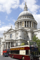 st. pauls cathedral sun london sight-seeing sight seeing sightseeing double -decker bus passing tourists historical uk buildings history british architecture architectural cities landmark historic building religion cockney england english angleterre inghilterra inglaterra united kingdom