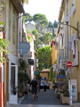 fishing village cassis provence narrow back-street back street backstreet shops cote azur riviera mediterranean south french european bouches-du-rhône bouches du rhône bouchesdurhône paca provence-alpes-côte provence alpes côte provencealpescôte france shopping la francia frankreich