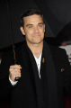 robbie williams singer songwriter pop group boy bands groups stars musicians celebrities celebrity fame famous star white caucasian portraits