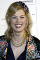 rosamund pike english actress actresses england female thespian acting celebrities celebrity fame famous star males white caucasian portraits