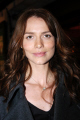 saffron burrows english actress fashion model det. serena stevens law order actresses england female thespian acting celebrities celebrity fame famous star males white caucasian portraits
