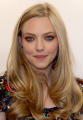amanda seyfried born december 1985 allentown pennsylvania american actress child model best known roles mean girls veronica mars actresses usa female thespian acting celebrities celebrity fame famous star females white caucasian portraits