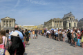 queue enter palace versailles french ch teaus european ile france la francia frankreich