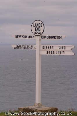 land end signpost south west england southwest country english uk signs lizard cornwall cornish angleterre inghilterra inglaterra united kingdom british