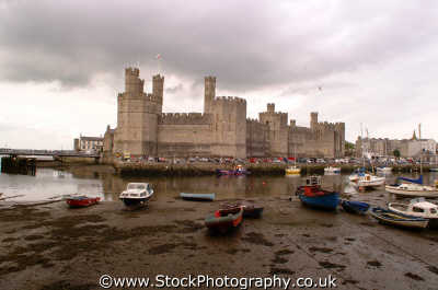 caernarfon castle british castles architecture architectural buildings uk investiture gwynedd wales welsh país gales united kingdom