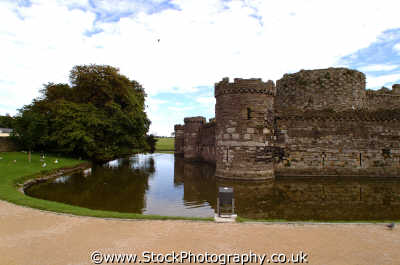 anglesey beaumaris castle british castles architecture architectural buildings uk wales welsh país gales united kingdom