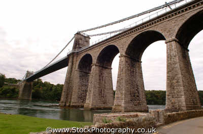 anglesey menai bridge uk bridges rivers waterways countryside rural environmental straits span wales welsh país gales united kingdom british