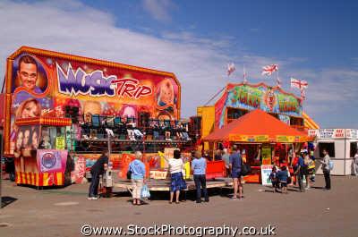 rhyl seafront rides uk coastline coastal environmental conwy wales welsh país gales united kingdom british