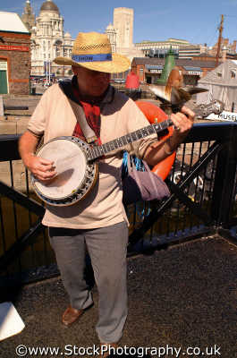 banjo player music musicians musical arts misc. picker bluegrass ukelele merseyside scouse england english angleterre inghilterra inglaterra united kingdom british