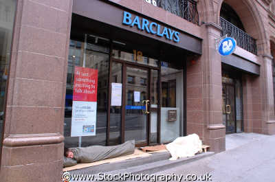 sleeping rough steps barclays bank edinburgh uk vagrancy vagrants tramps midlothian central scotland scottish scotch scots escocia schottland united kingdom british