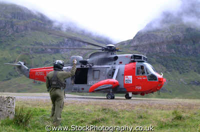 mountain rescue helicopter winchman uk emergency services climbing climbers sos rescuers highlands islands scotland scottish scotch scots escocia schottland united kingdom british