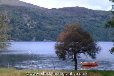 rowing boat loch lomond british lakes countryside rural environmental uk stirlingshire scotland scottish scotch scots escocia schottland united kingdom