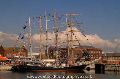 tall ships portsmouth yachts yachting sailing sailboats boats marine misc. pompey hampshire hamps england english angleterre inghilterra inglaterra united kingdom british