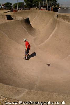 skateboarder extreme sports adrenaline sporting uk skateboarding portsmouth pompey hampshire hamps england english angleterre inghilterra inglaterra united kingdom british