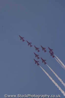 red arrows royal air force raf aeronautics uk military militaries stunts formation flying sussex home counties england english angleterre inghilterra inglaterra united kingdom british