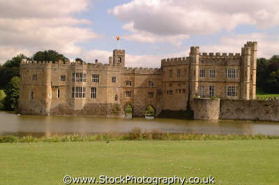 leeds castle exterior british castles architecture architectural buildings uk normans moat kent england english angleterre inghilterra inglaterra united kingdom