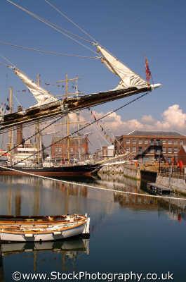 portsmouth docks uk coastline coastal environmental pompey hampshire hamps england english angleterre inghilterra inglaterra united kingdom british