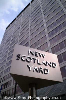 new scotland yard sign law courts buildings architecture london capital england english uk metropolitan police detectives westminster cockney angleterre inghilterra inglaterra united kingdom british