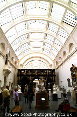 victoria albert museum exhibition museums galleries buildings architecture london capital england english uk westminster cockney angleterre inghilterra inglaterra united kingdom british