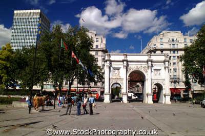 marble arch looking edgeware rd famous sights london capital england english uk westminster cockney angleterre inghilterra inglaterra united kingdom british