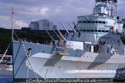 hms belfast bow tower bridge thames bridges crossing london capital england english uk warship battleship cruiser southwark cockney angleterre inghilterra inglaterra united kingdom british