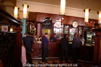 pub interior south bank thames london capital england english uk beer ale southwark cockney angleterre inghilterra inglaterra united kingdom british