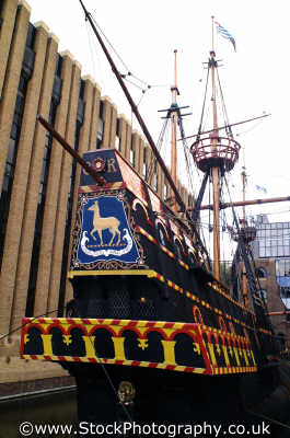 golden hinde stern historical britain history science misc. sir francis drake ship southwark london cockney england english angleterre inghilterra inglaterra united kingdom british