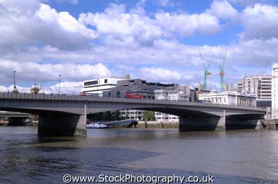 london bridge south bank thames bridges crossing capital england english uk rivers city cockney angleterre inghilterra inglaterra united kingdom british
