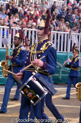 marching drummers military bands uk militaries percussion drumming lord mayors city london cockney england english angleterre inghilterra inglaterra united kingdom british