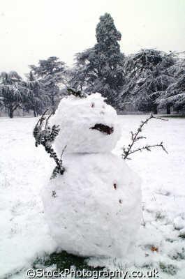 snowman snowstorm winter seasons seasonal environmental uk kingston london cockney england english angleterre inghilterra inglaterra united kingdom british