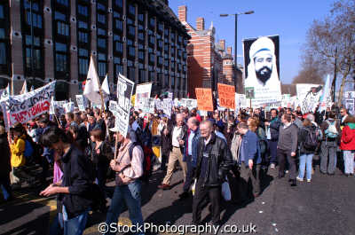 anti war marchers embankment iraq peace march london events capital england english uk american usa globalisation civil disobedience direct action rally demonstrations westminster cockney angleterre inghilterra inglaterra united kingdom british