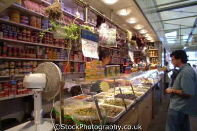 olives indoor market barcelona costa dorada mediterranean catalunya catalonia spanish espana european travel spain spanien españa espagne la spagna europe