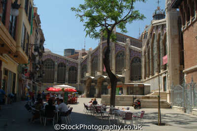 dining outside mercado centro central market valencia spanish espana european travel spain spanien españa espagne la spagna europe