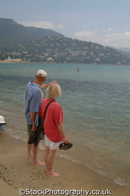 middle aged couple cote azur beach provence riviera mediterranean south french european travel toulon provence-alpes-côte provence alpes côte provencealpescôte france la francia frankreich europe