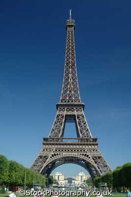 eiffel tower parc du champ mars paris french european travel parisienne france la francia frankreich europe