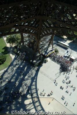 eiffel tower paris looking centre french european travel parisienne france la francia frankreich europe