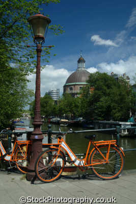 hire bikes nieuwe lutherse kerk amsterdam dutch netherlands european travel holland la hollande holanda olanda europe