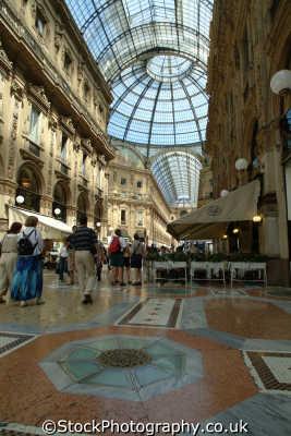 galleria vitorio emanuele ii shopping centre milan lombardy italy italian european travel italien italia italie europe