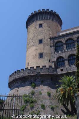 castel nuovo naples southern italy italian european travel napoli napolitan italien italia italie europe