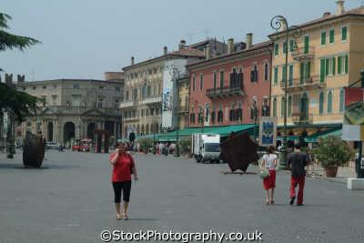 main square verona north east italy italian european travel italien italia italie europe