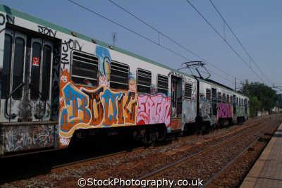 grafitti italian train rome lazio european travel transport roma roman italy italien italia italie europe