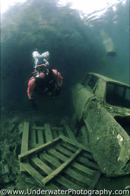 diver car lake freshwater seascapes scenery scenic underwater marine diving rubbish pollution pallette benny sutton england english angleterre inghilterra inglaterra united kingdom british