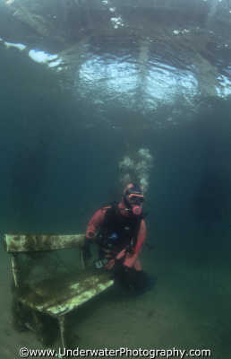 diver seat humorous funny creative underwater marine diving benny sutton england english angleterre inghilterra inglaterra united kingdom british
